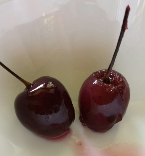 Easy, boozy, cocktail cherries!